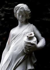 statue-600x831.jpg